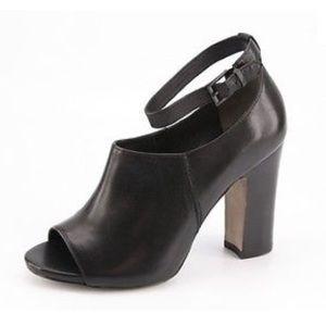 Pour La Victoire - Endie Black Leather Heels